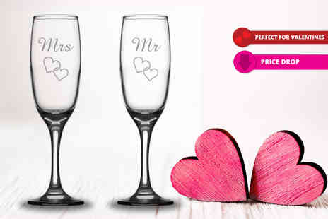 CNC Group - Pair of Mr & Mrs Valentines engraved Prosecco flutes - Save 73%