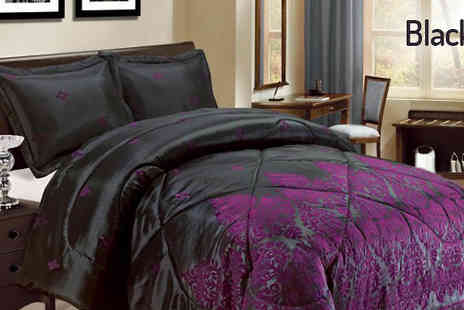 Luxury bed and warehouse - Luxury Three Piece Damask Bedspread Available in five Colours - Save 64%
