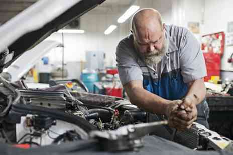 Smith & Hunter - MOT Test with 10% Off Car Repair - Save 64%