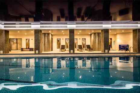 Imagine Spa - Four hour spa retreat with spa access, a glass of bubbly and a £10 voucher - Save 37%