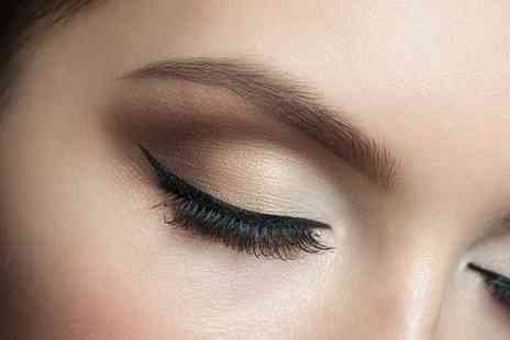 Pretty in Ink - Set of eyelash extensions and infills - Save 57%