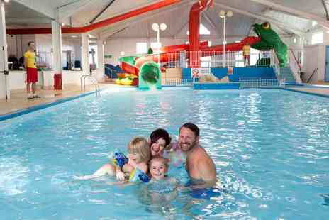 Parkdean Resorts - Self catered four night midweek or three night weekend stay for up to six - Save 47%