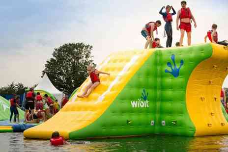 Cotswold Country Park & Beach - Family ticket to Cotswold Country Park & Beach including park admission, parking, one boating session and one pizza - Save 31%
