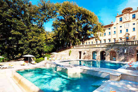 Hotel Una Villa Le Maschere - Five Star Striking Renaissance Villa in Beautiful Tuscany Stay For Two - Save 80%