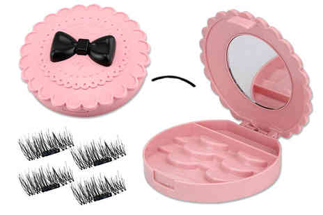 Forever Cosmetics - Eyelash storage case with mirror and four sets of magnetic eyelashes - Save 67%