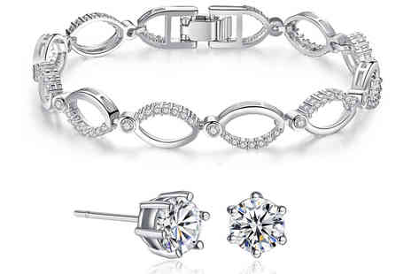GameChanger Associates - Multi linked chain bracelet & earrings made with crystals - Save 84%