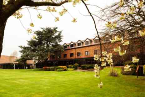 Mercure Hull Grange Park Hotel - Wedding Package for 50 Daytime and 80 Evening Guests - Save 36%