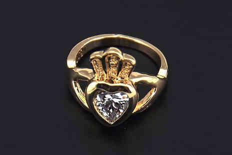 Crazee Trend - Stylish Claddagh Ring Choose from 2 Colours - Save 67%