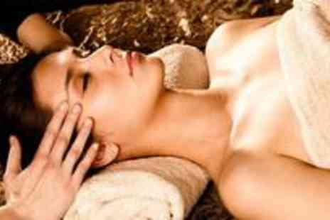 Vintage Glamour - 30 minute facial and 45 minute aromatherapy full body massage - Save 70%