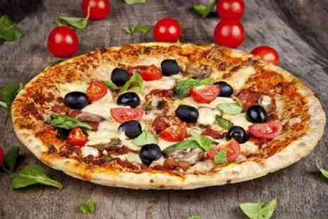 Solo Restaurant - Choice of Italian Pizza or Pasta for Two or Four - Save 46%