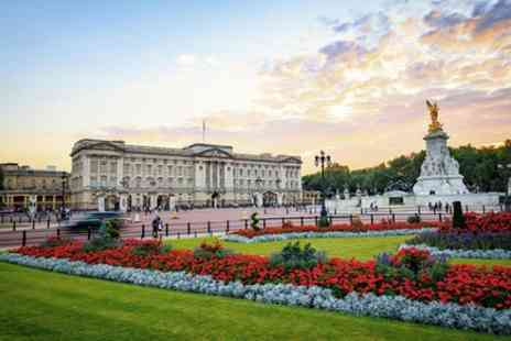 Amigo Tours UK - Tour for Small Groups to Buckingham Palace and State Rooms - Save 0%