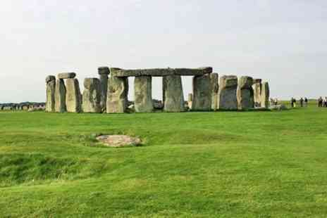 Day Tours London - Bath, Stonehenge and The English Countryside Day Tour - Save 0%