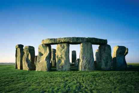 Golden Tours - Windsor Castle, Bath and Stonehenge Tour - Save 0%