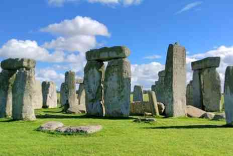 Around and About Bath - Transfer Tour from Southampton to Bath via Stonehenge, Salisbury, Hidden England - Save 0%