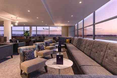 No1 Lounges - No1 Lounge, at Gatwick South Terminal you can enjoy unrivalled runway views and a space to relax before your flight - Save 0%
