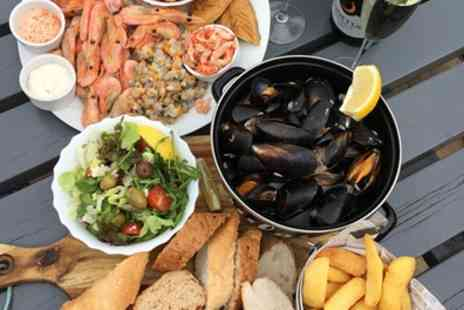 The Jolly Sailor - Hot and Cold Seafood Platters with Mussels, Chips and Prosecco for Two or Four - Save 53%