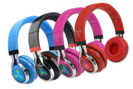 Hirix - Pair of foldable wireless Bluetooth headphones choose from four colours - Save 72%