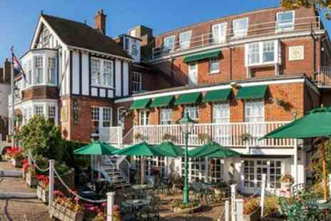 Rye Lodge Hotel - Popular Rye getaway including breakfast - Save 37%