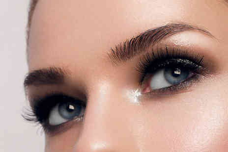 Fortes Medical - Eyebrow transplant using 200 or 300 hairs - Save 50%