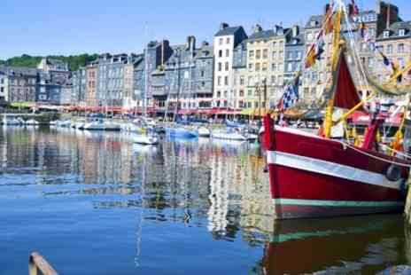 Adonis Les Hauts de Honfleur - Studio for 2 or One Bedroom Apartment for 4 with Option for Breakfast - Save 40%