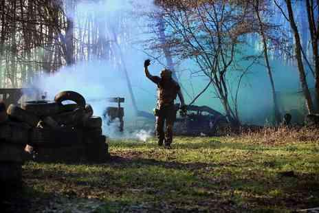Blind Fire Paintball - Paintball day for 10 Chobham - Save 90%