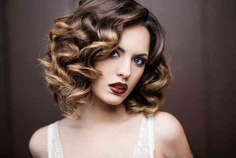 Amor Cabello Hair Salon - Wash, cut & blow dry with top level stylist - Save 50%