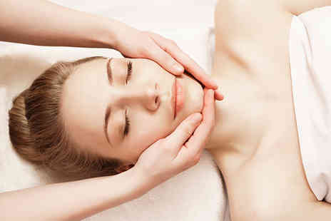 Aesthetics Clinic - One hour Vitamin C facial - Save 71%