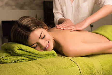 Dr PJ Aesthetic - Hour long relaxation massage - Save 65%