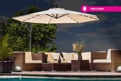 EveMotion GmbH - Extra large overhanging LED cantilever garden parasol Choose between two colours - Save 68%