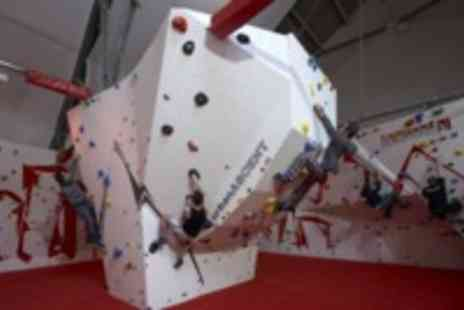 Urban Ascent - One hour beginners indoor climbing course - Save 50%