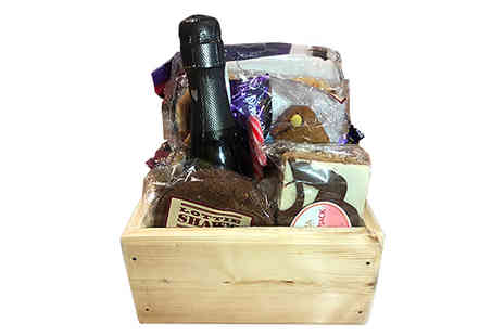Black Cat Hampers & Gifts - 11 Piece Yorkshire Food Gift Hamper - Save 38%