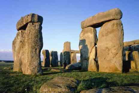 Evan Evans Tours - Stonehenge Express Half Day Tour with London Hop on Hop off Tour - Save 0%