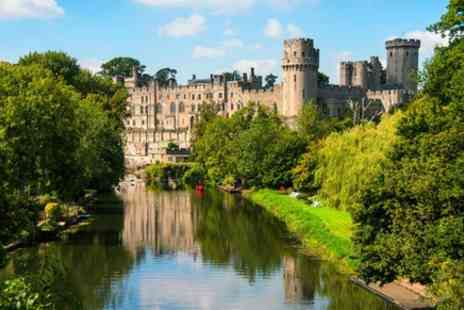 Evan Evans Tours - Oxford, Stratford upon Avon and Warwick Castle with London Hop on Hop off Tour - Save 0%
