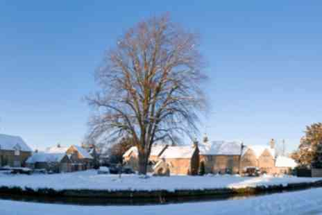 Premium Tours - Christmas Lunch in the Cotswolds - Save 0%
