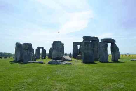 Bath Insider Tours - Stonehenge Private Tour Morning Tour from Bath - Save 0%