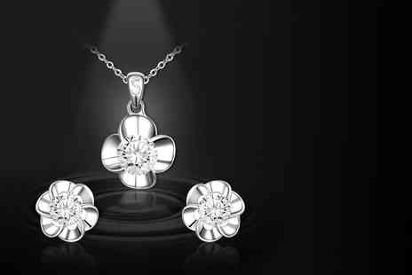 Evoked Design - Two piece crystal flower set choose from three colours - Save 92%