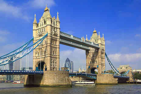 Circular Cruise - Child or adult return ticket for a hop on hop off circular cruise on the Thames - Save 0%