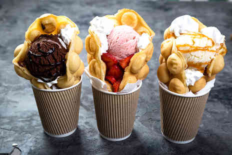 Gourmet Bus - Bubble waffles and milkshakes for two people - Save 43%