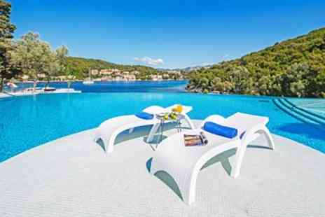 Hays Travel - Four star 7 night Croatia holiday with flights, 4 share - Save 0%