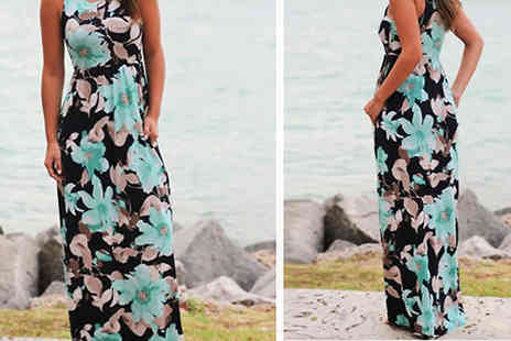 Snap One Up - Sleeveless Floral Print Maxi Dress - Save 77%