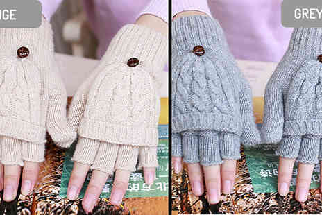 Good 2 items - 2 in 1 Mittens and Fingerless Gloves Choose from 4 Colours - Save 77%