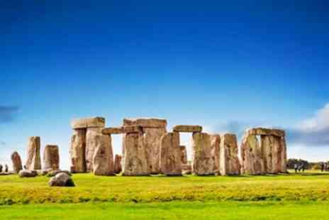 Travel Brake - Heathrow Airport Arrival To Southampton Via Stonehenge - Save 0%