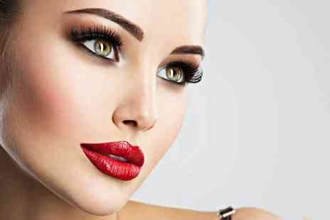 Cher Salon Chelsea - Set of individual cluster eyelash extensions - Save 53%