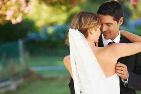 Live Online Academy - Online CPD Accredited Diploma in Wedding Photography Course - Save 95%