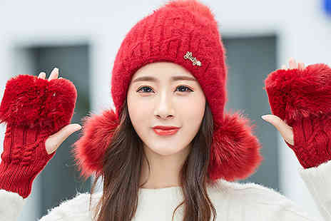 Best mall ever - Pom Pom Hat And Fingerless Gloves Set Choose from 5 Colours - Save 76%
