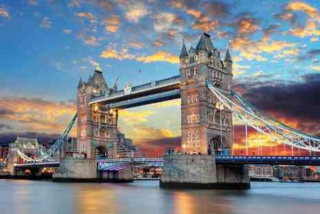 OMGhotels - One or two night London stay with breakfast and Planet Hollywood dining - Save 42%