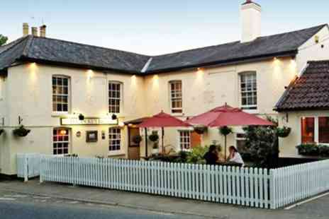 The Dukes Head - Cosy Essex country pub meal for 2 with bubbly - Save 51%
