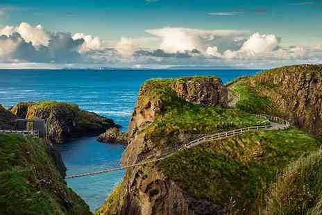 Belfast City Tours - Full day Giants Causeway bus tour with a 72 hour hop on, hop off Belfast city bus tour pass - Save 33%