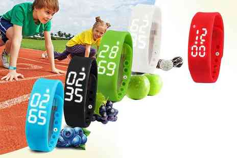 ugoagogo - Kids smart fitness activity watch choose from five colours - Save 60%