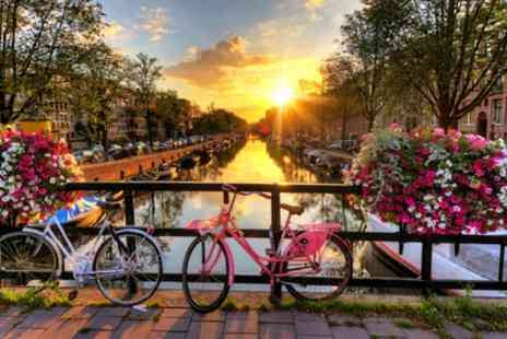 Ceetiz - One Hour Canal Cruise with Audioguide for Up to 2 Adults and 2 Children - Save 0%